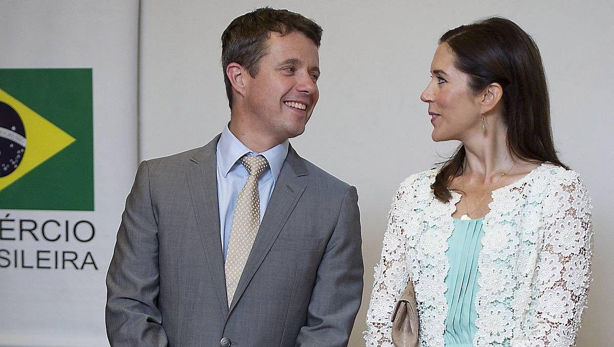 Kronprins Frederik til brasiliansk fest på kronprinsesse Marys fødselsdag   BILLED-BLADET