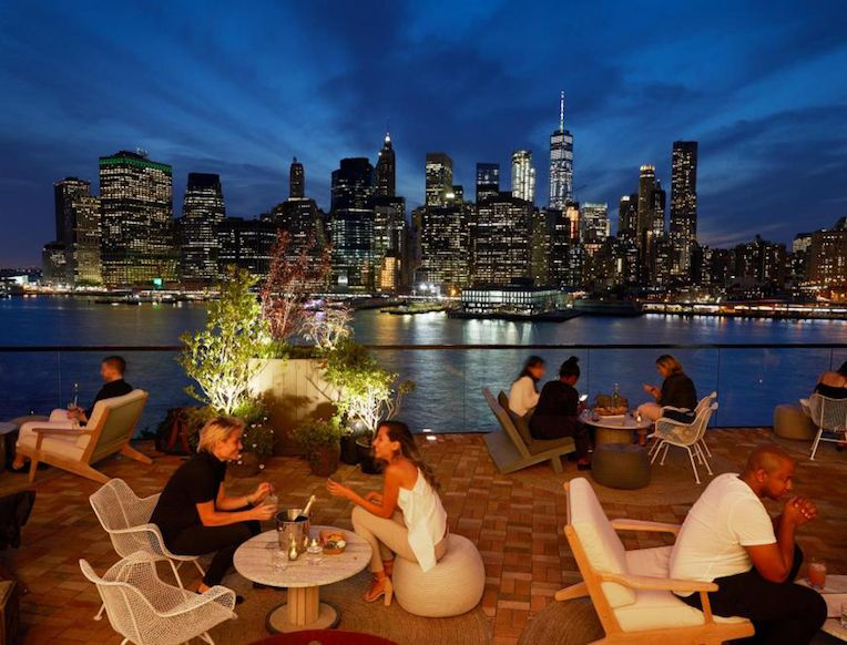 Thanks To A New Crop Of Restaurants And Bars The Dumbo Waterfront Bleeding Into Brooklyn Heights Is The Bu Rooftop Bars Nyc New York Rooftop Best Rooftop Bars
