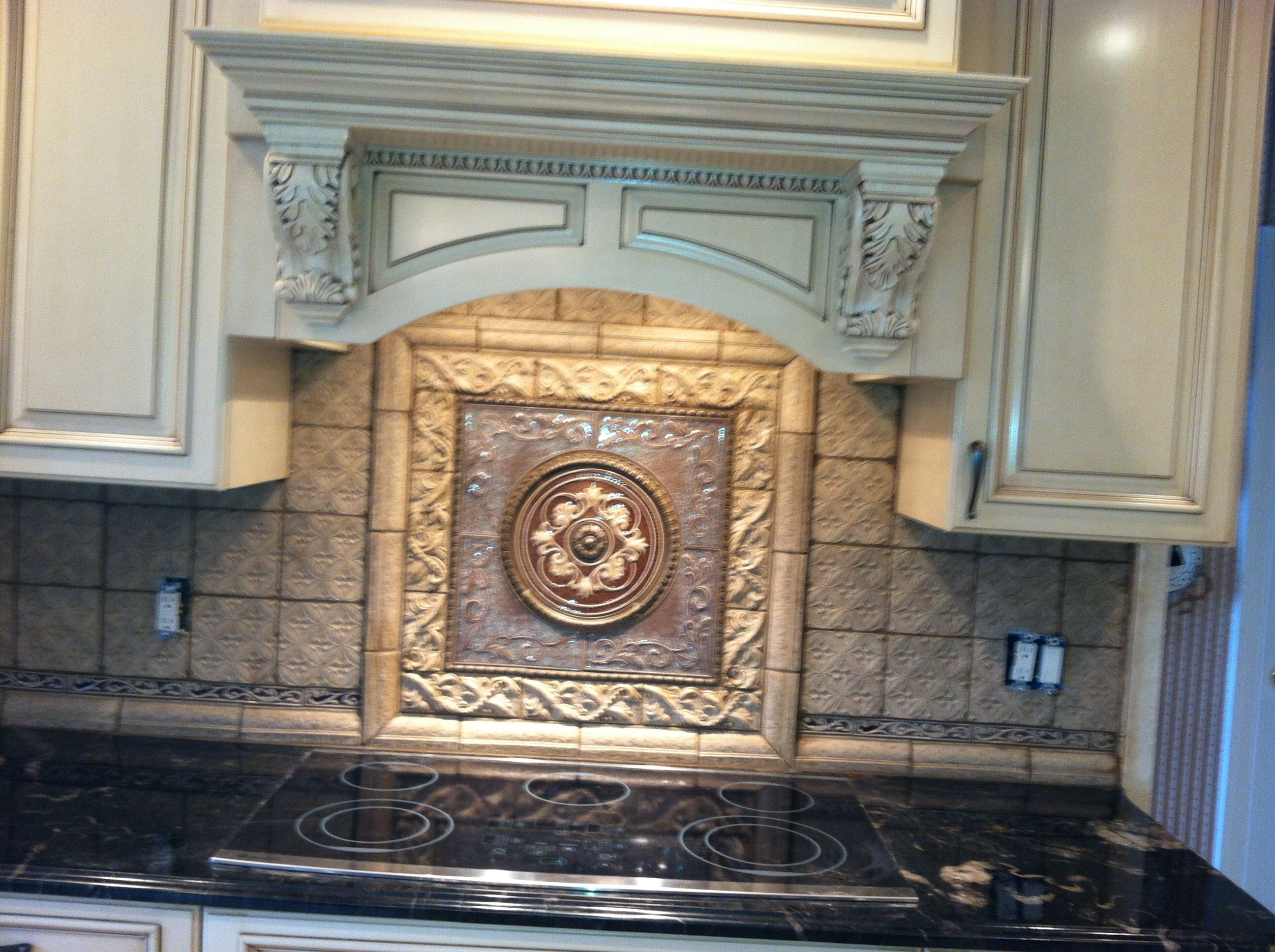 beautiful medallion with companion decoratives kitchen backsplash tile plaque tile medallion. Black Bedroom Furniture Sets. Home Design Ideas
