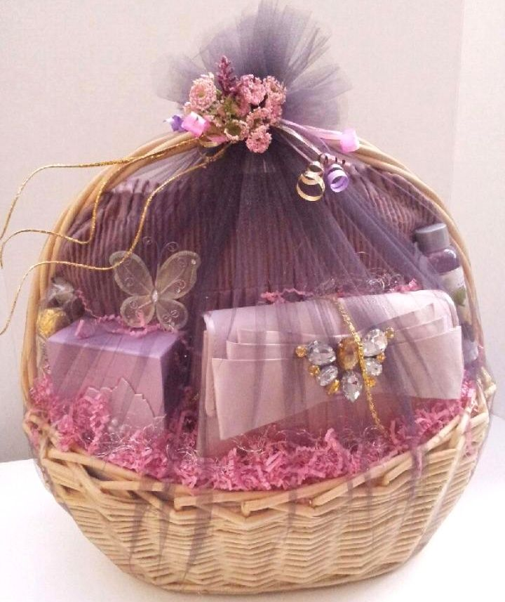 Spa And Clutch Basket Wedding Gift Baskets Engagement Gift Baskets Wedding Gifts Packaging