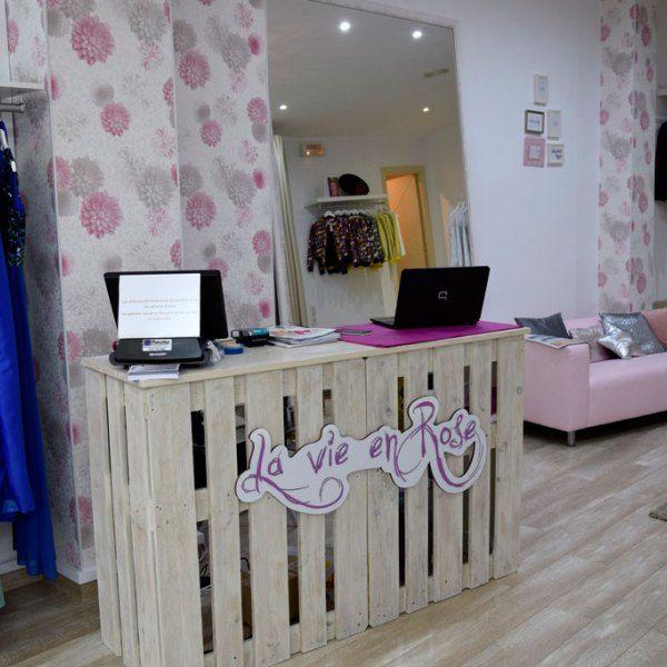 Mostrador y mesa con autentico chalk paints equipamiento for Tiendas de muebles y decoracion