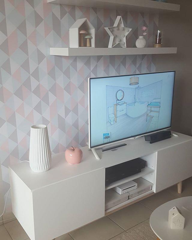 Deco scandinave avec ma préférée Sophie Ferjani dans maison à vendre Cette… | Déco maison, Idee ...
