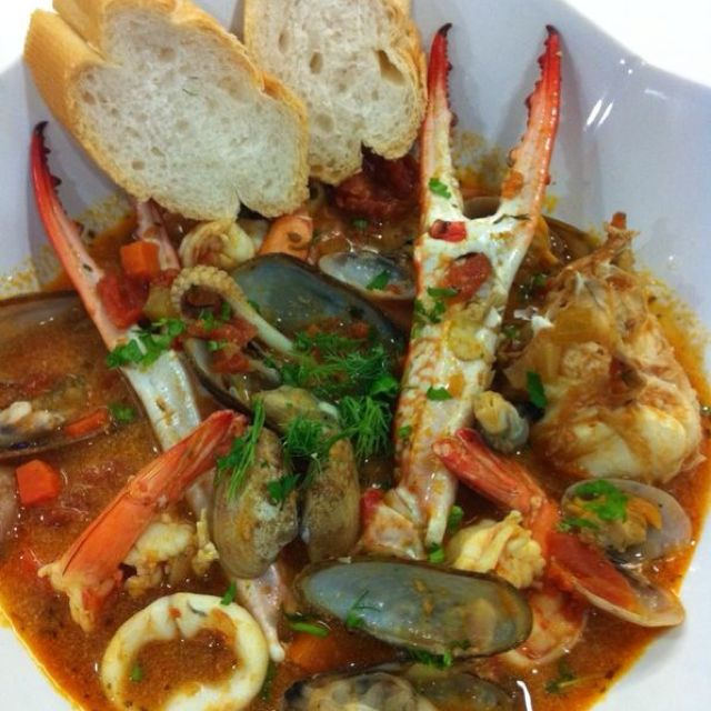 Italian Seafood Stew With French Bread I Love Crab Claws For Good Home Cooked