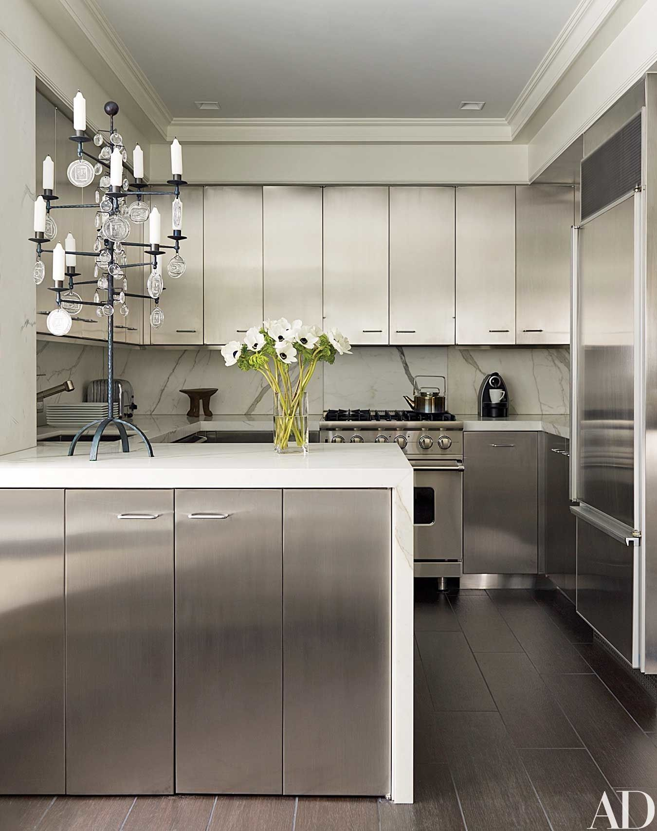 17 Kitchens With Classic Marble Countertops Kitchen Interior Kitchen Marble Stainless Kitchen