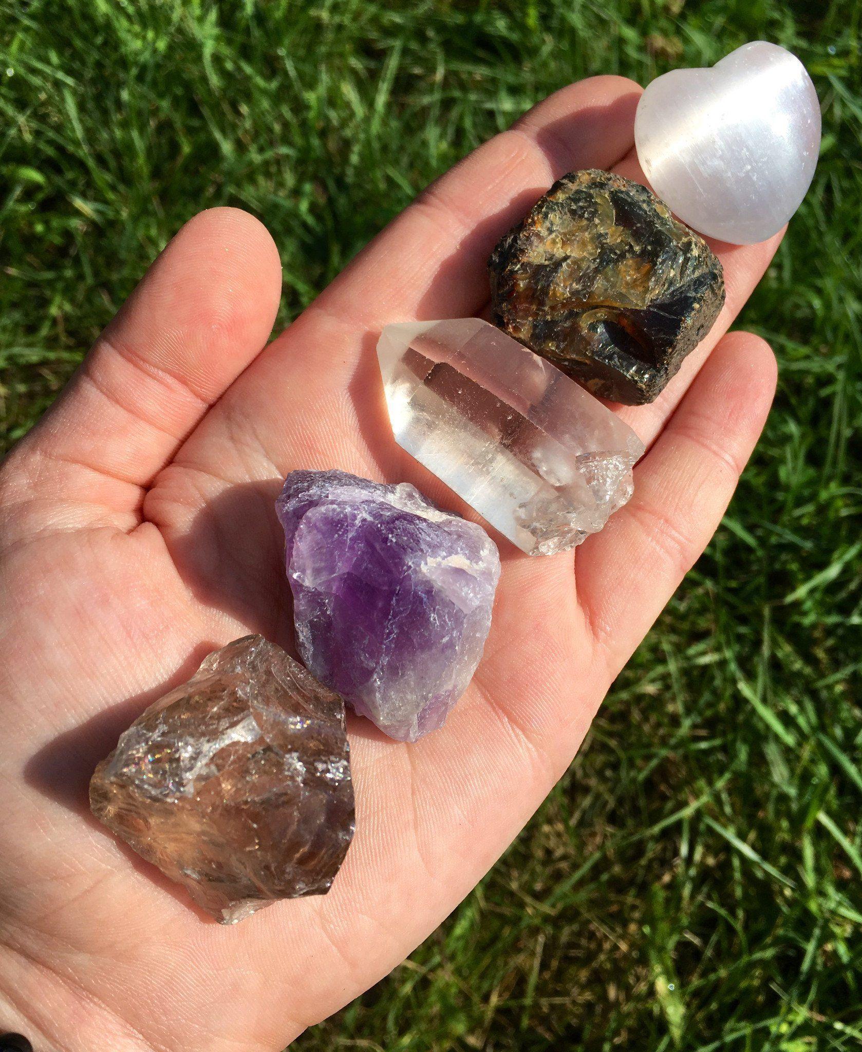 Charging crystals clear quartz crystal healing quartz