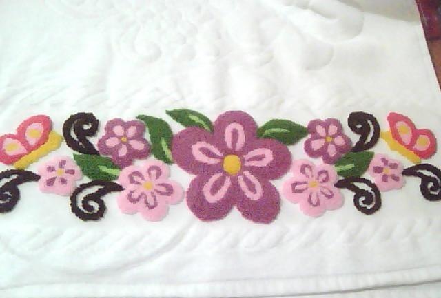 rengarenk çiçek desenli punch nakışı havlu modeli