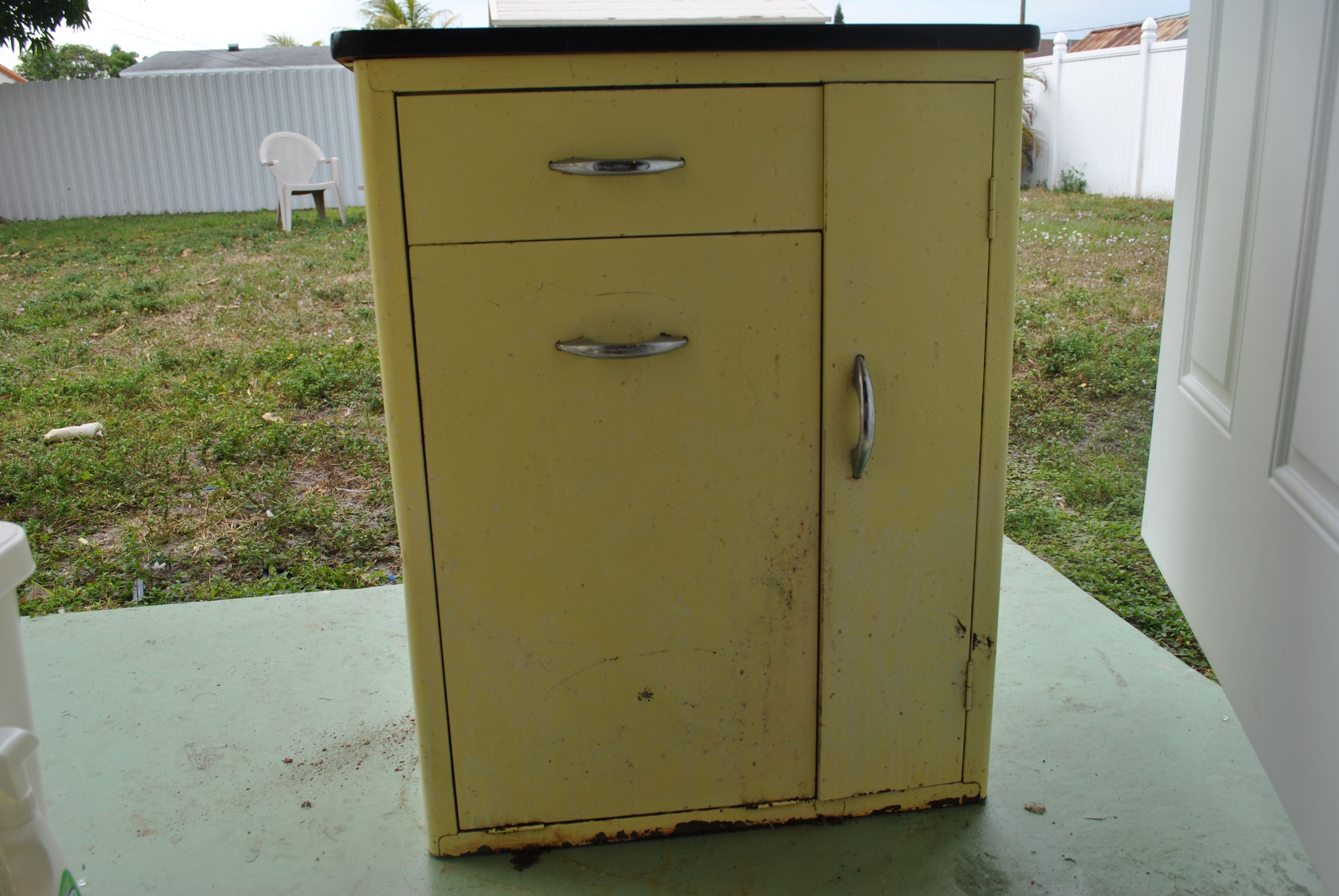 Vintage Metal Kitchen Cabinet Vintage Cabinet Revamp Betsy - Antique metal kitchen cabinet