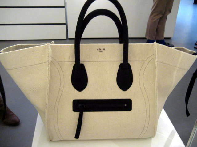 celine small luggage tote price - bccf0fdc0f5326710f38550aecebbbd9.jpg