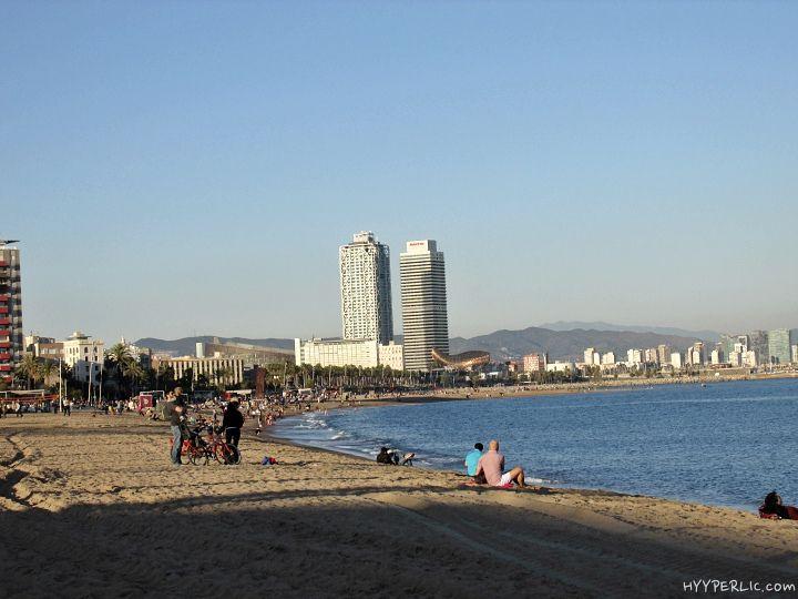 Mit Dem Smart Ebike Am Strand Von Barcelona Reisen Und Essen