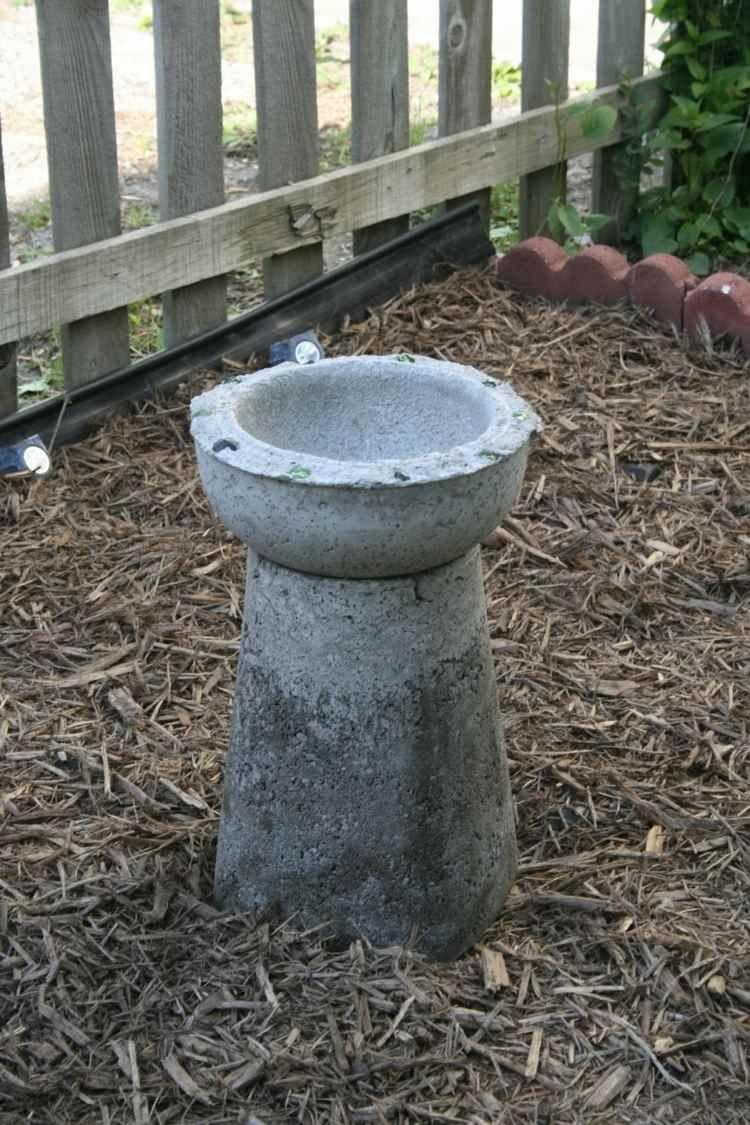 Décoration jardin pas cher à faire soi-même en béton coulé ...