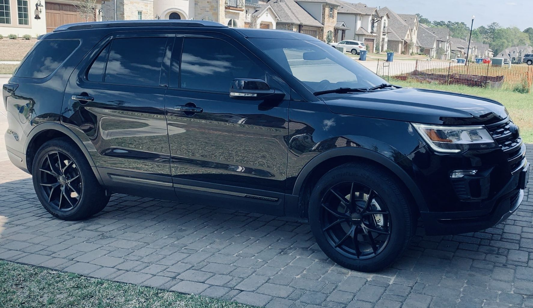 Blacked Out 2019 Ford Explorer In 2020 2019 Ford Explorer Ford Explorer New Ford Explorer