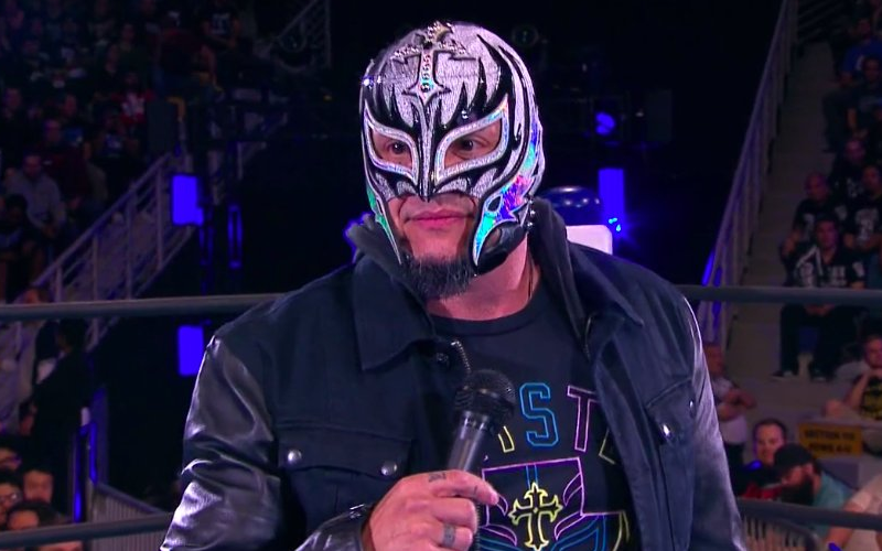 Rey Mysterio S Mask Ripped Off Challenge Issued At Tonight S Njpw Long Beach Show Wrestling Superstars Wrestling Stars Mysterio Wwe