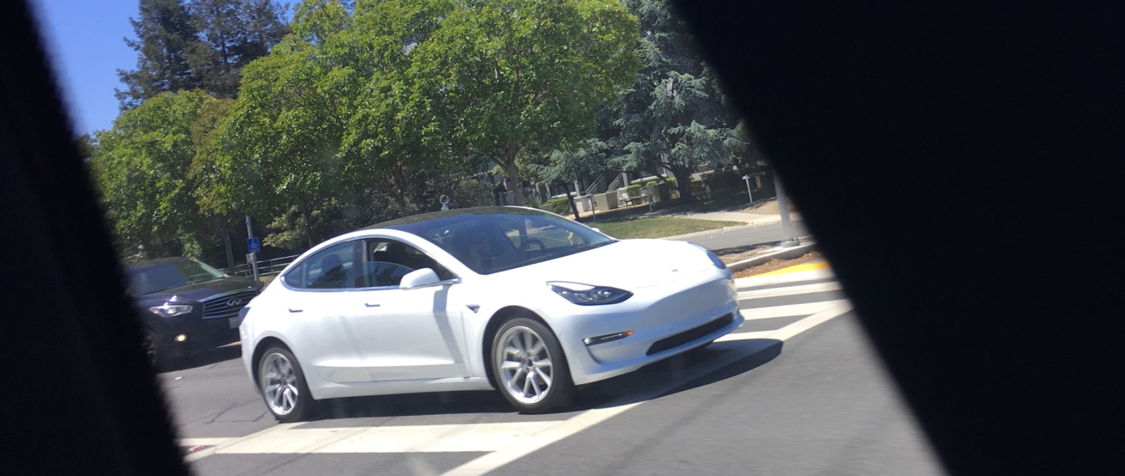 Tesla Model 3 New White Release Candidate Shows Clear Design Lines Electrek Car Electric Cars Tesla Motors