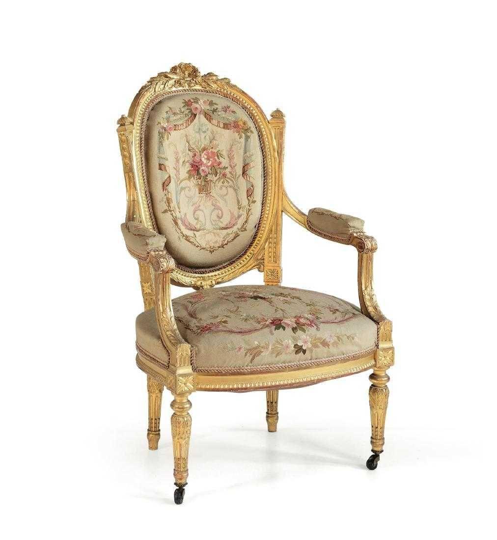 Salotto in stile Luigi XVI in legno intagliato e on in 2019   salon ...