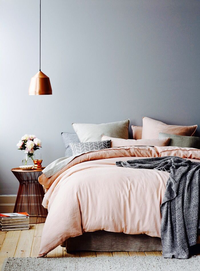 Peach and gray bedroom 28 images 266 peach and gray for Peach bedroom decor