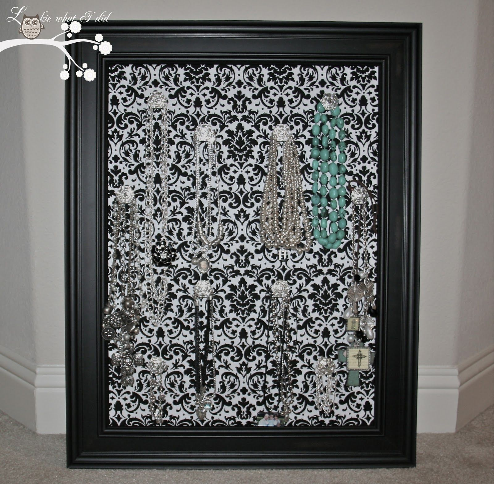 Lookie What I Did: Black and White Damask Jewelry Frame | D.I.Y. ...