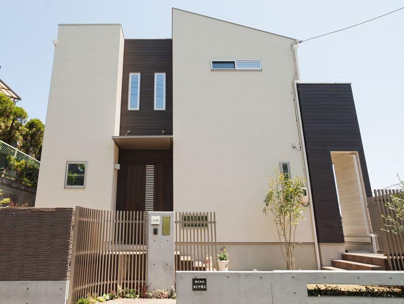 コントラストのかっこいい家 家 外観 モダン 新築一戸建て 新築 住宅