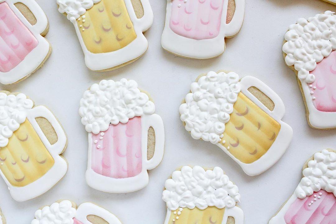 Pastel Beer Mug Cookies Cookie decorating, Sugar cookie