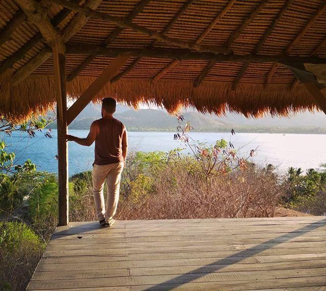 📷 @daniperezp #regram On the top @ Gili Asahan 🏝☀️🍃 #Lombok #Indonesia #Giliasahan #giliasahanecolodge #top #hill #views #island #paradise #holiday #beach #relax #horizon #ocean #yoga #mountains #sunset #adventure #travel #trip #love