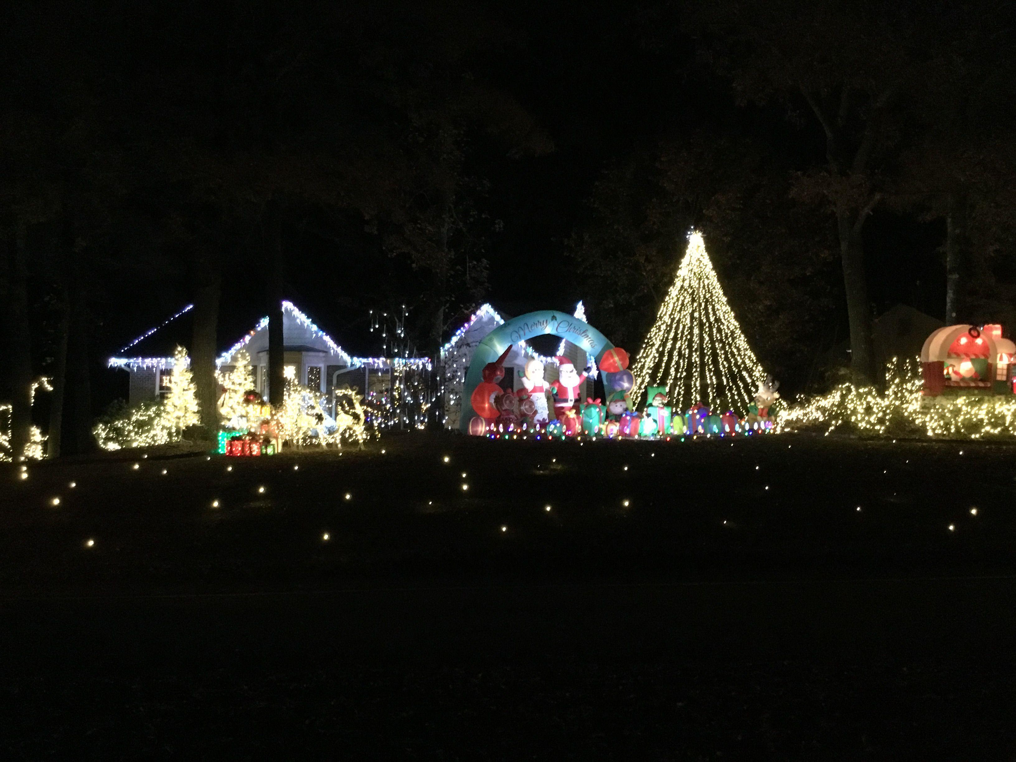 Pin By Nita Furlong On Extreme Christmas Lights Christmas Lights Christmas