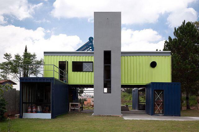Container House by Danilo Corbas, São Paulo, Brazil - Diseño del conjunto con espíritu contemporáneo