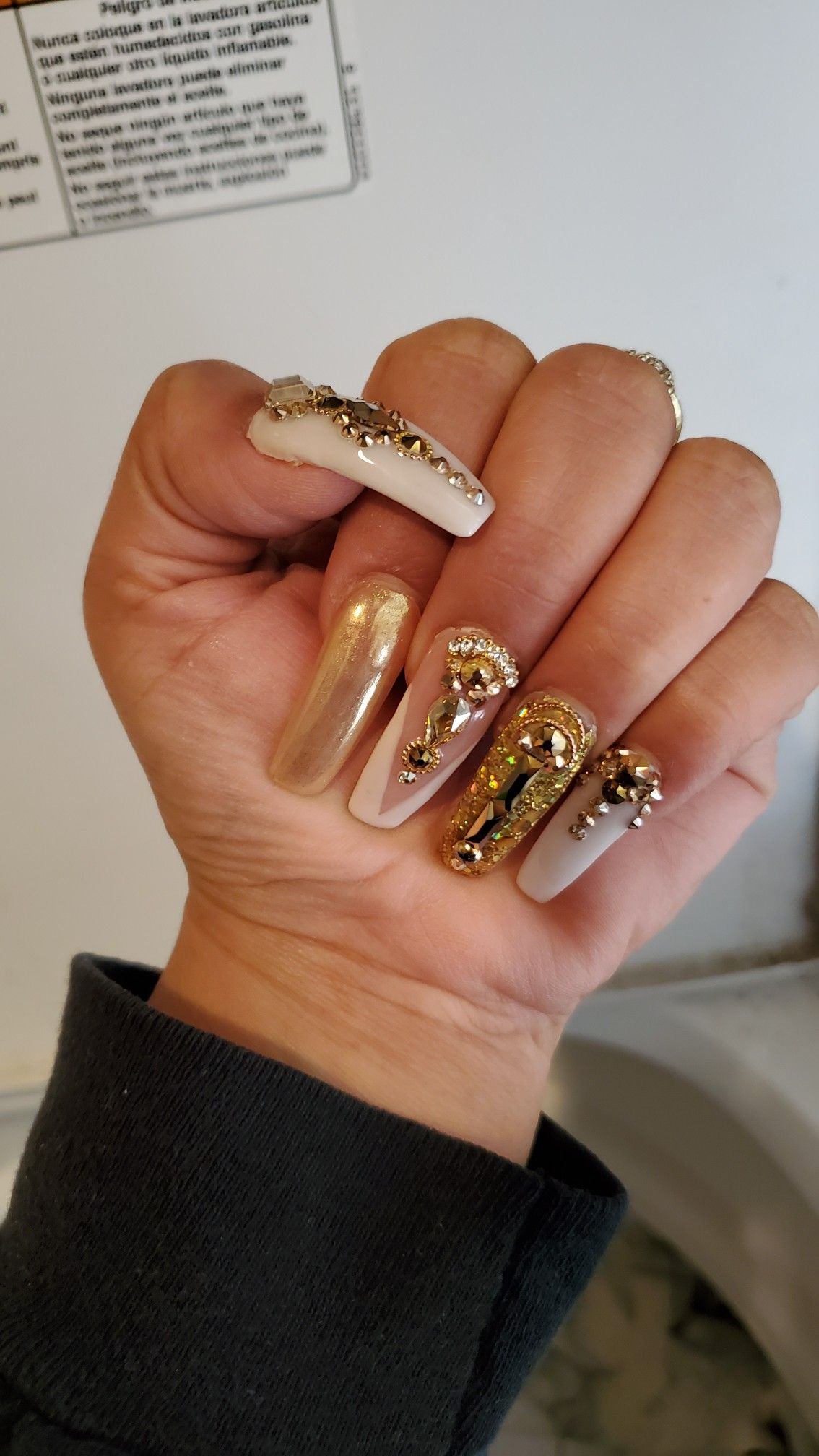 New Year's nails 2020, gold nails, bling nails in 2020