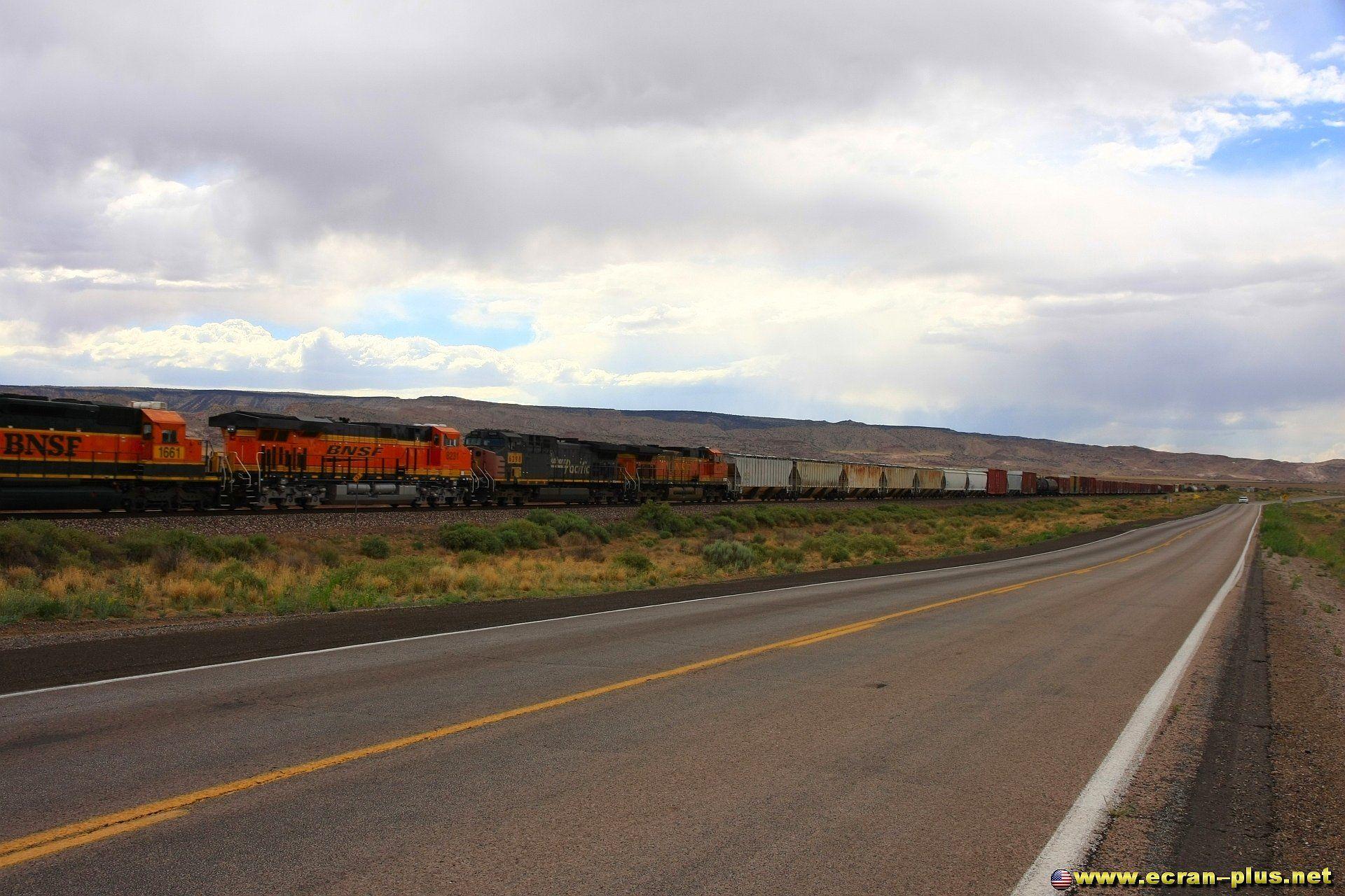 Train le long de la route 66 pre 1937 - Nouveau Mexique - USA