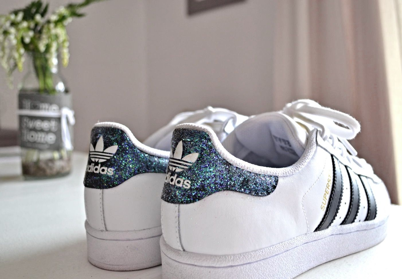 best loved 2f4ef 4e4e2 Nouveau post sur le blog   comment customiser ses baskets avec des  paillettes