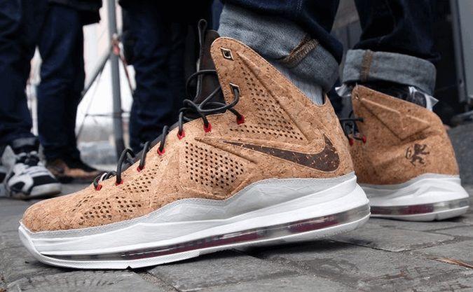 best service e1b67 5b233 Nike Lebron X EXT Cork QS Men s Basketball Shoes