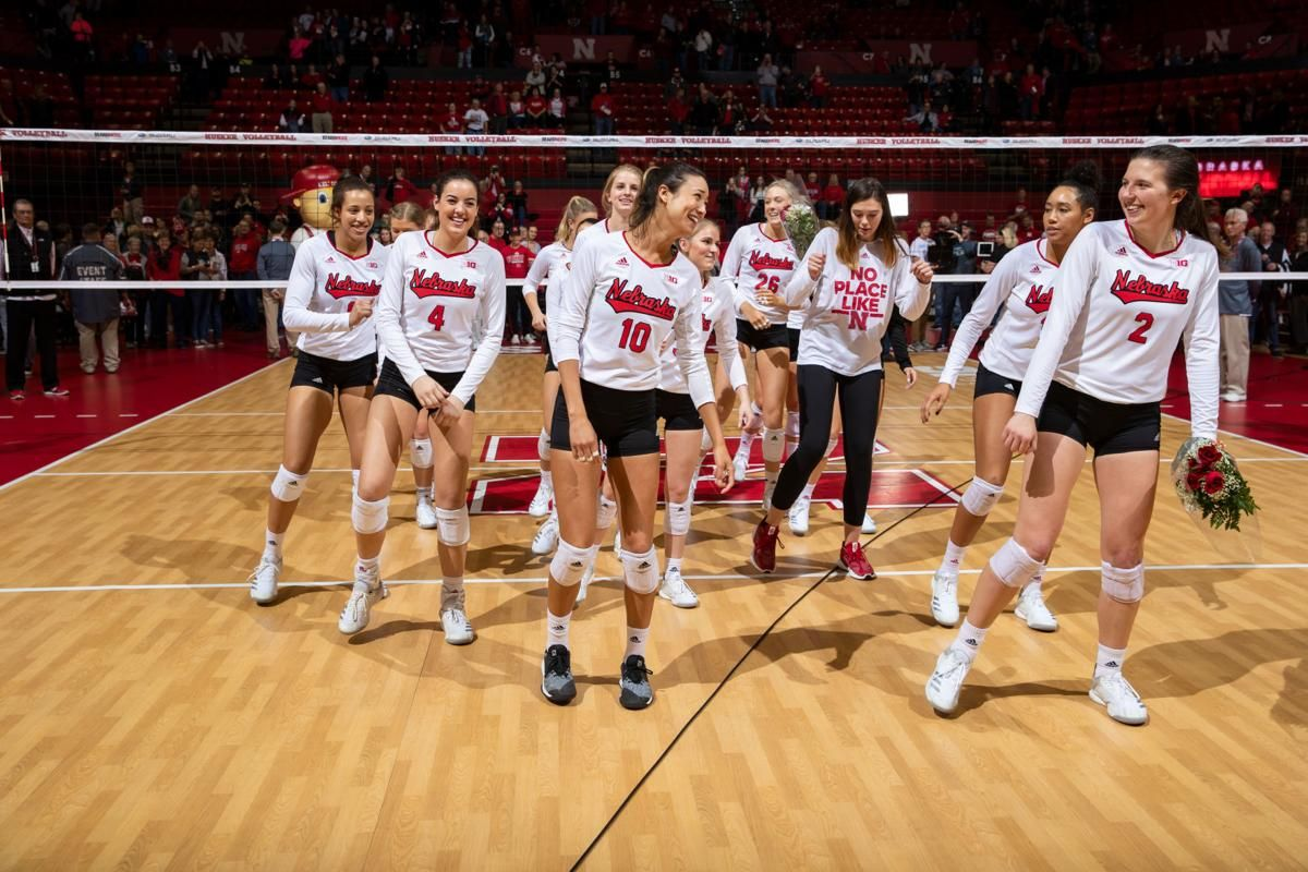 Nebraska Volleyball Players Dance Moves At Matches Help Tighten Team Bond Volleyball Players Volleyball Volleyball Photos