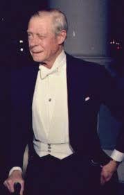 Duke Of Windsor In Cummerbund White Tie Etc Mens Fashion Classic White Tie Classic Suit