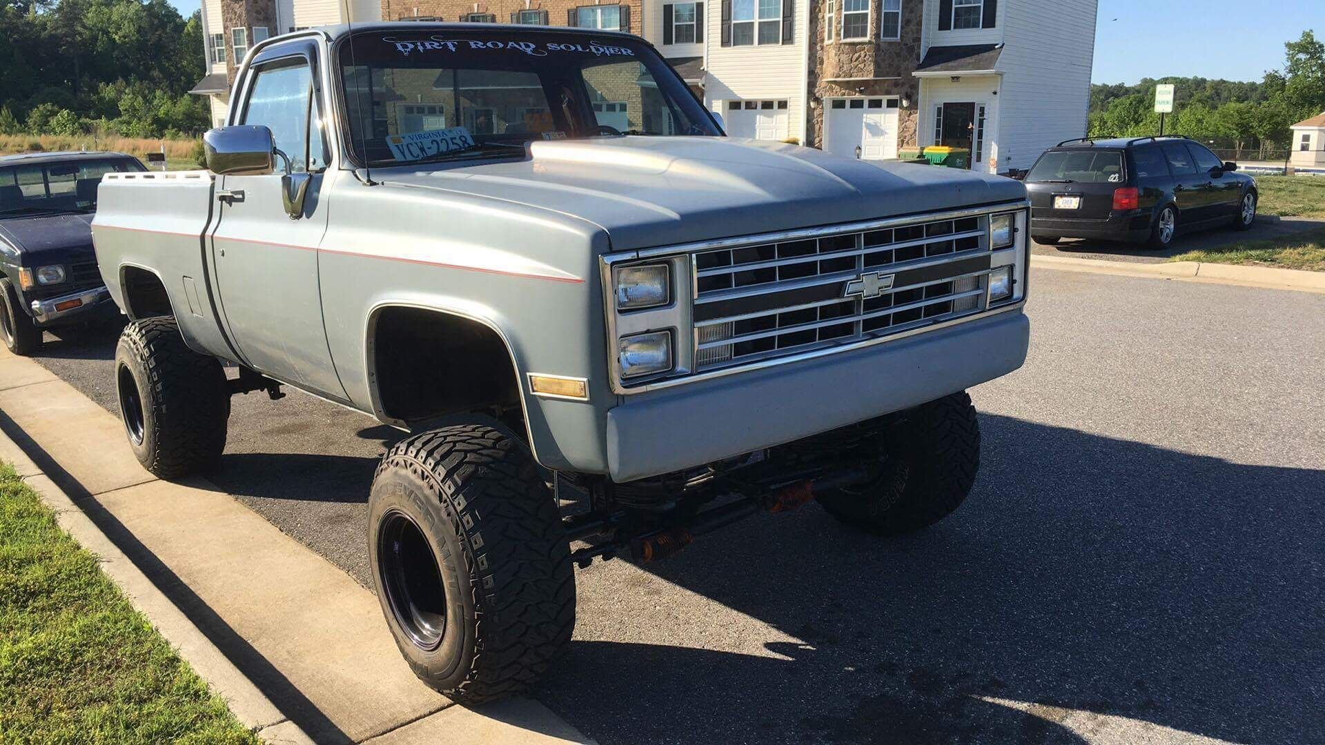 """79 Chevy K10 With 350 SBC 4 Speed Manual Trans 6"""" Lift 33"""" Tires Built Rears"""