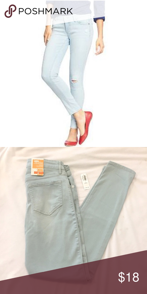 008c0eed714 Old Navy Rockstar Distressed Super Skinny Jeans Old Navy Skinny Jeans Size  8. Mid-Rise. New with tags attached. Light Wash. Happy to answer any  questions ...