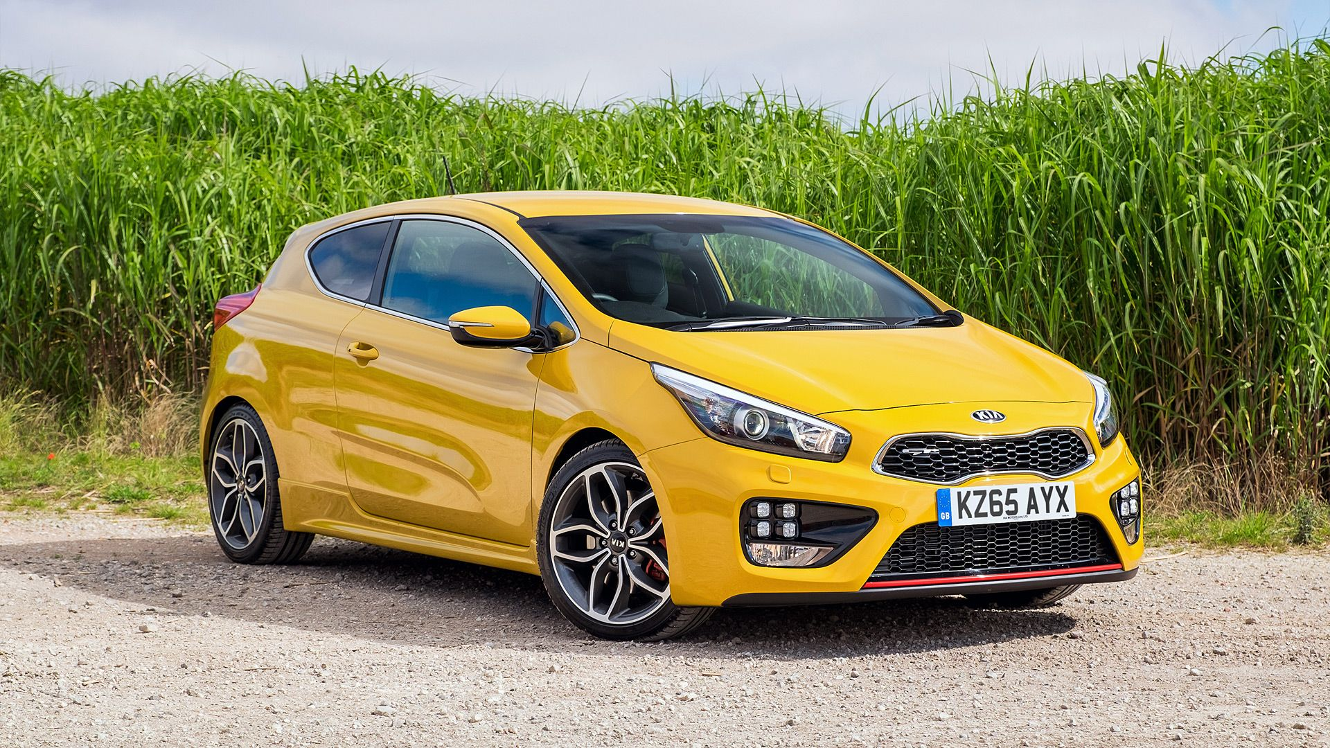 Pin By Wsupercars On Kia Car Yellow Car