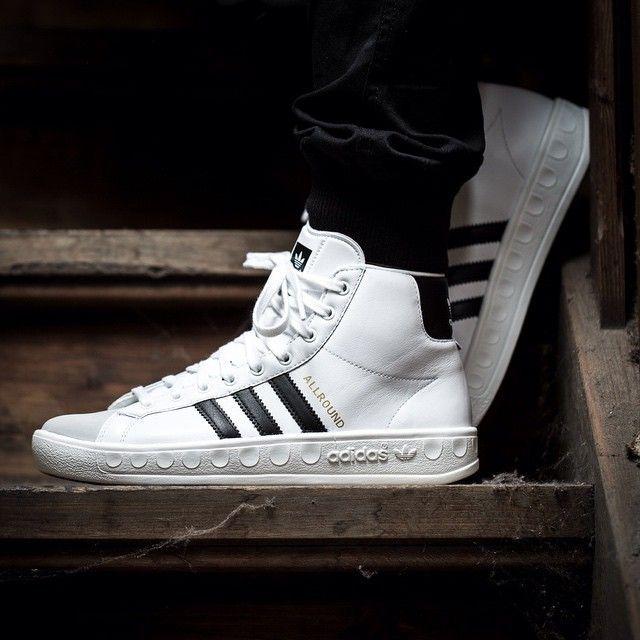 He Is Back Adidas Allround Og Weiss Schwarz 43einhalb Sneaker Store Ful Adidas White Sneakers Latest And Fashi Mit Bildern Adidas Allround Sneaker Adidas Sneaker