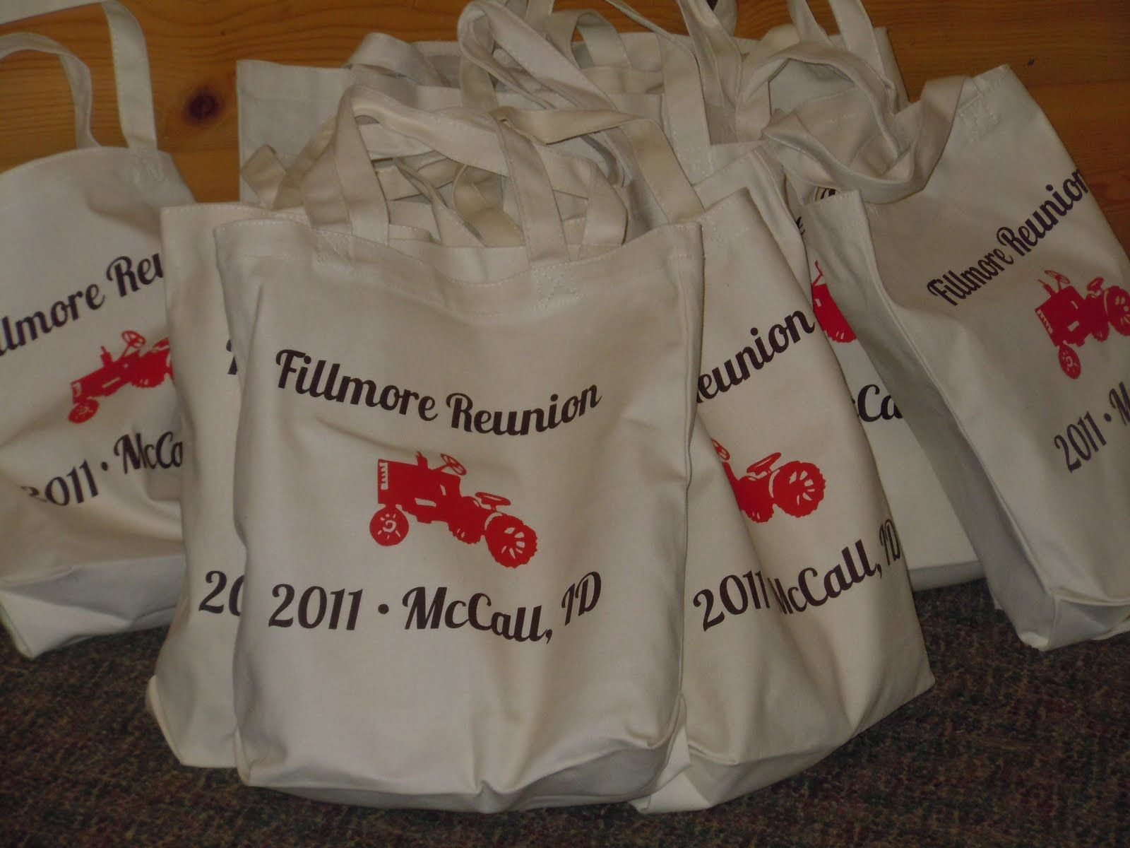 family reunion decoration ideas ehow a family reunion is a party