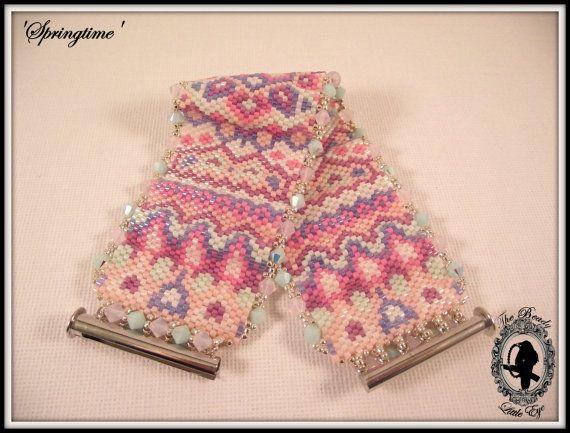 Peyote Pattern Bracelet Peyote Stitch Beading by TheBeadyLittleEye