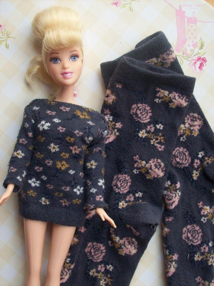 Ein Kleid für Barbie selber nähen mit einer lten Socke. Das ist so ...