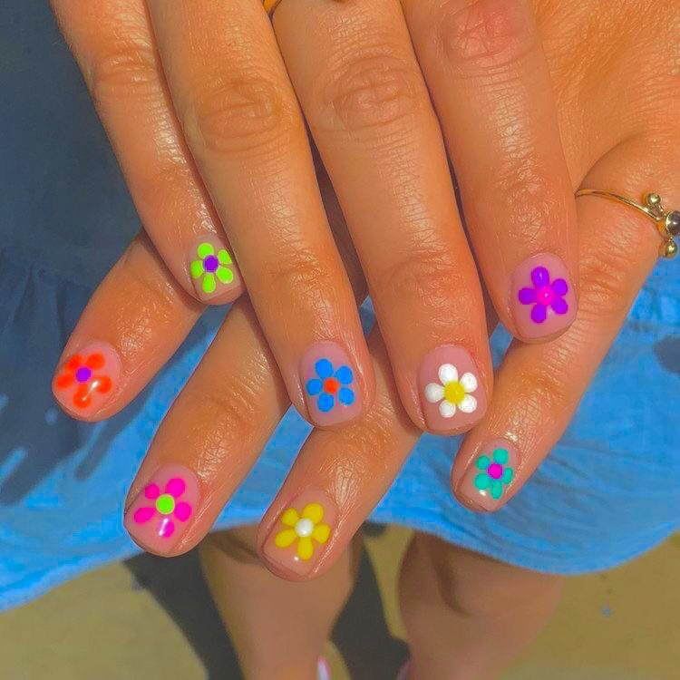 Indie Nail Inspo In 2020 Hippie Nails Pretty Acrylic Nails Swag Nails