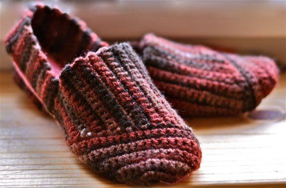 crochet slipper-shoes