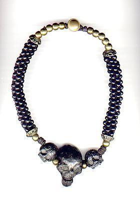 b065e320253b Bijoux tête de mort collier en corne