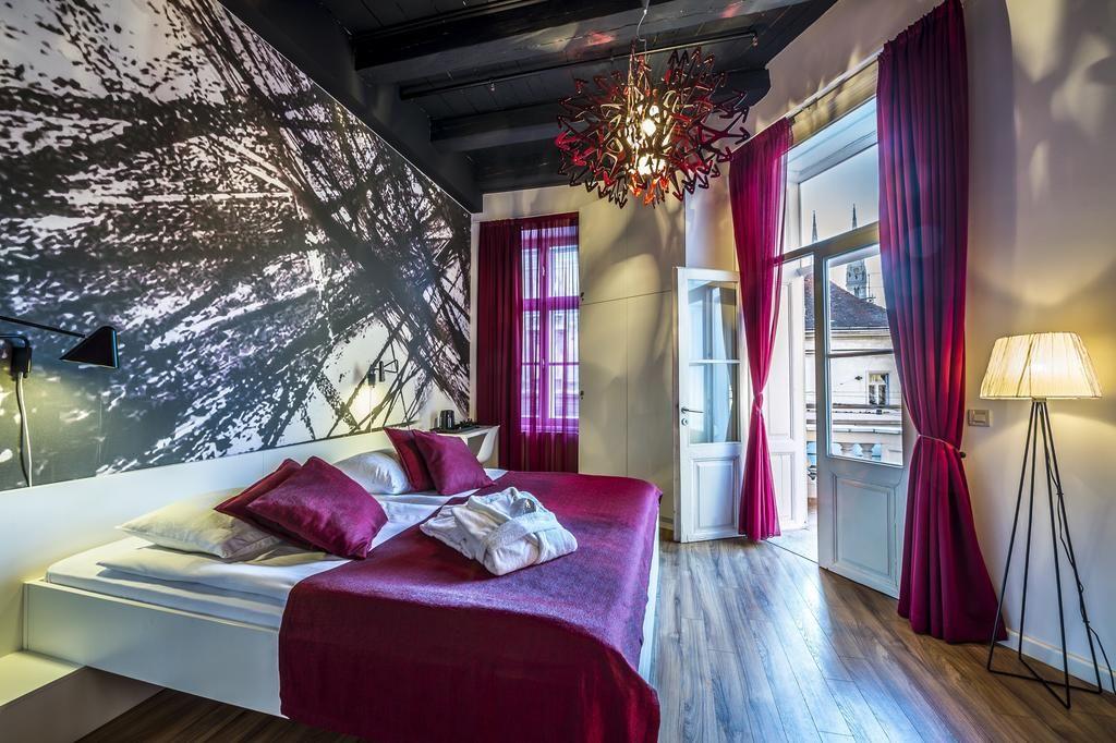Camera Matrimoniale Deluxe Con Balcone Hotel Country Hotel Zagreb