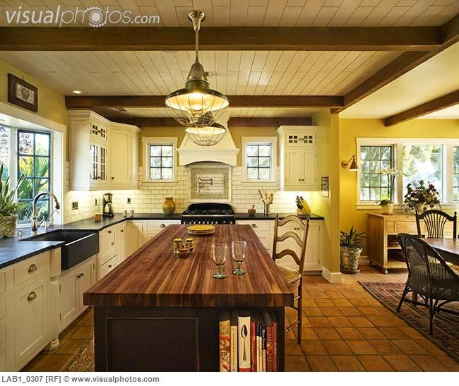 Rustic Spanish Style Sea Island House: Spanish Style Kitchen. I Like THE Combination Of White And