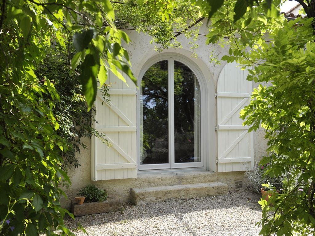 Image result for baie vitree arrondie en bois (avec images) | Fenêtres cintrées, Porte fenetre ...