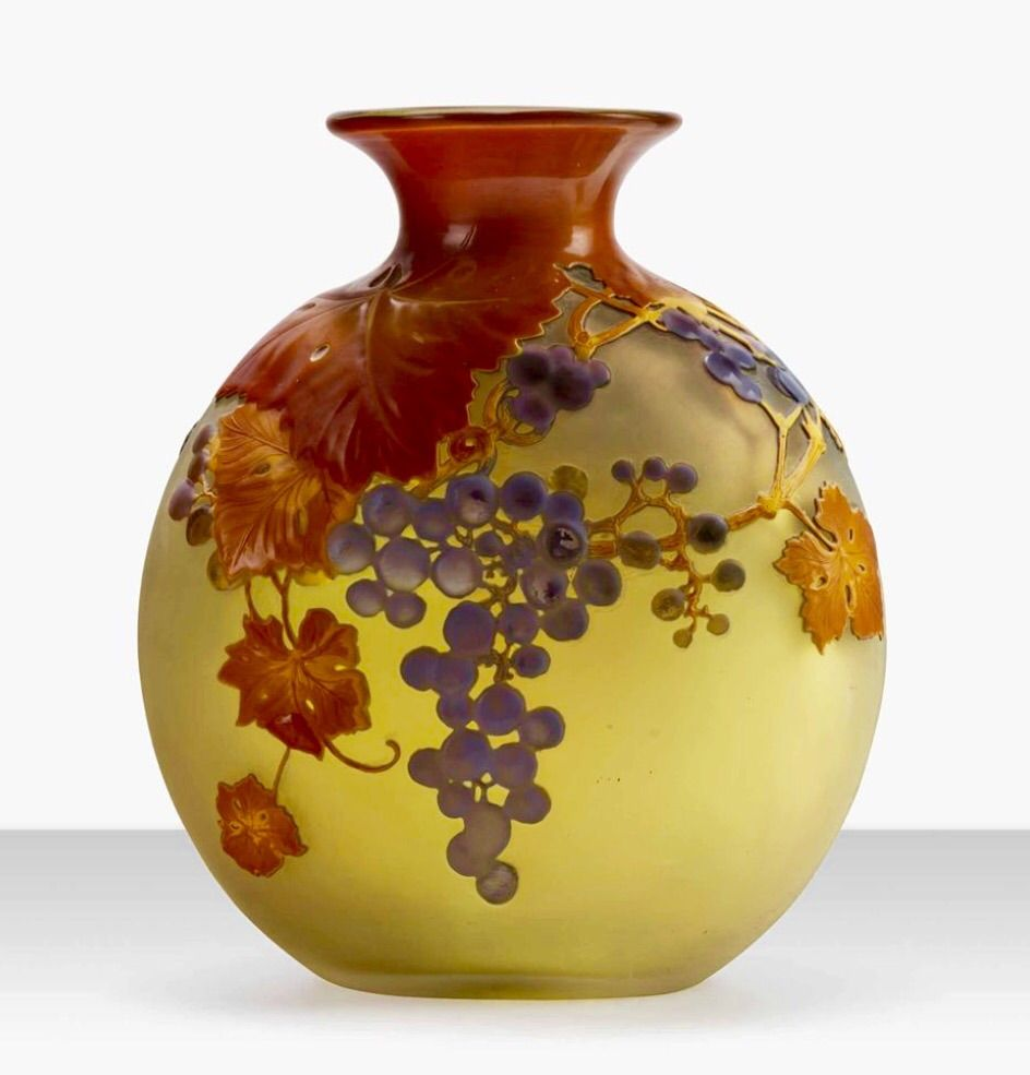 Émile Galle - A 'Grape' vase, circa 1920.