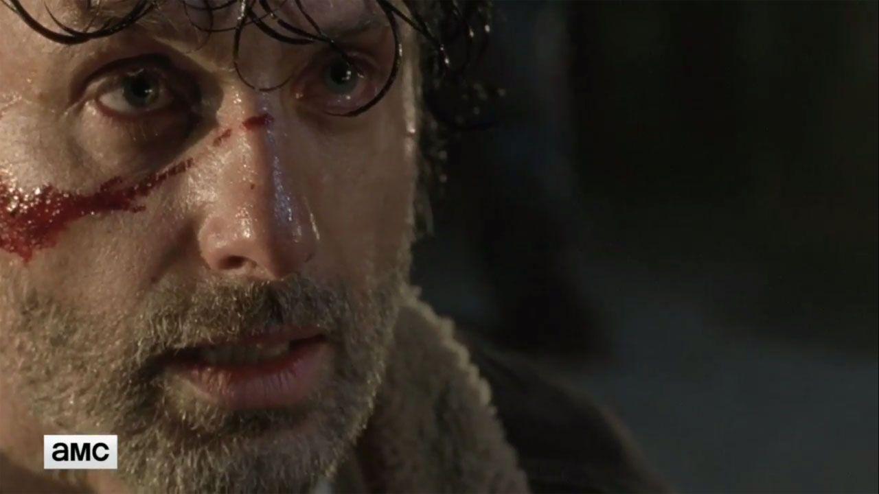 Confira uma cena do episódio de estreia da 7ª temporada de The Walking Dead, com os primeiros momentos após Negan matar a vítima escolhida - e veja como ela ficou!