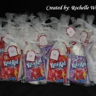 Make Your Own Playdoh Grab Bags Party Favors Not A Bad