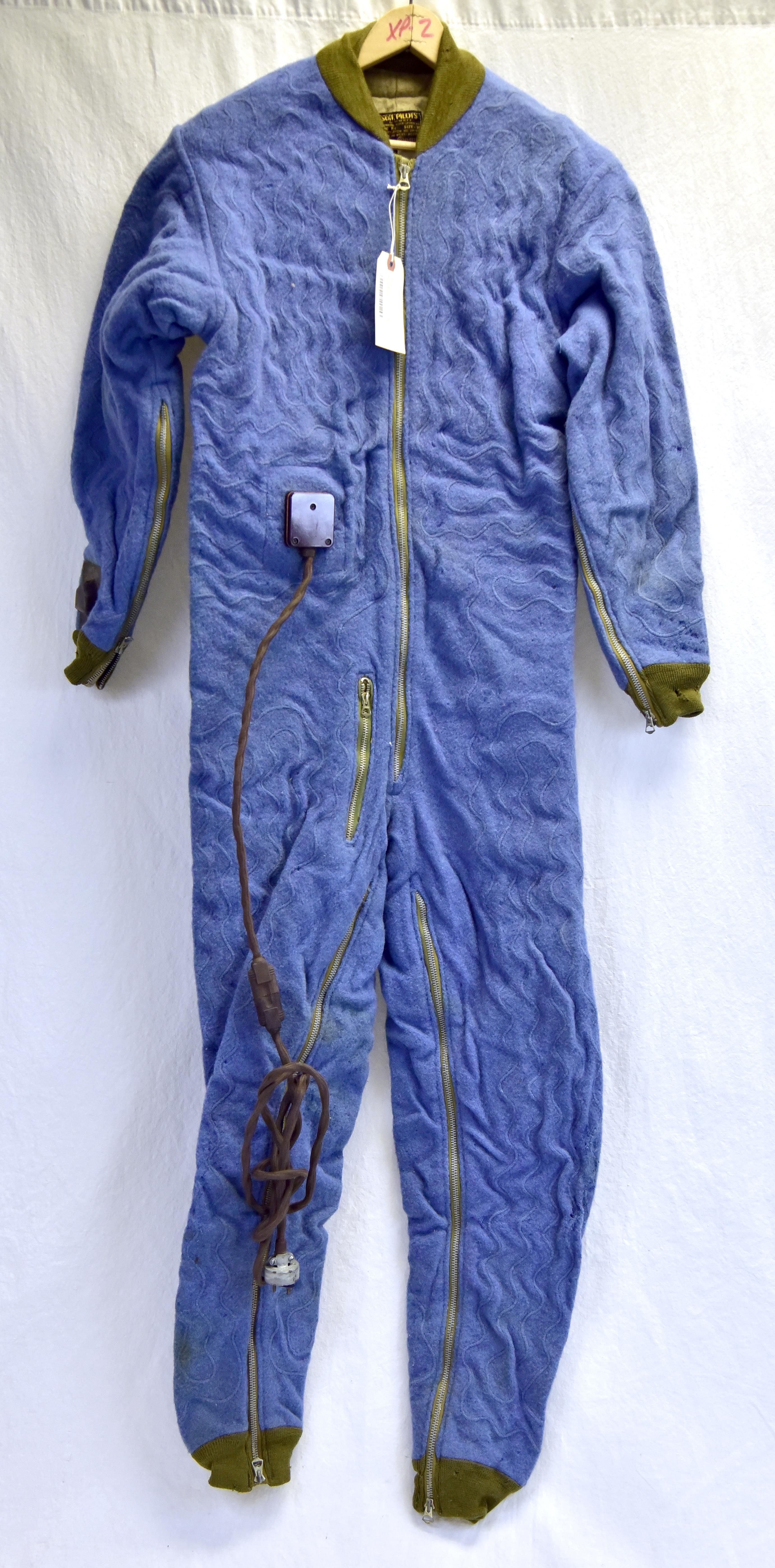 F1 electricallyheated suit > National Museum of the