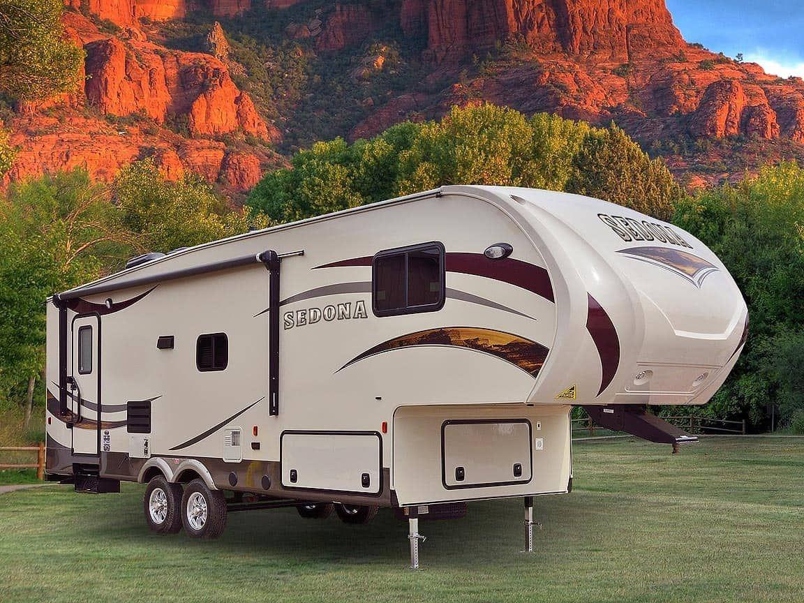 10 Best 5th Wheel Camper Manufacturers - Crow Survival in ...