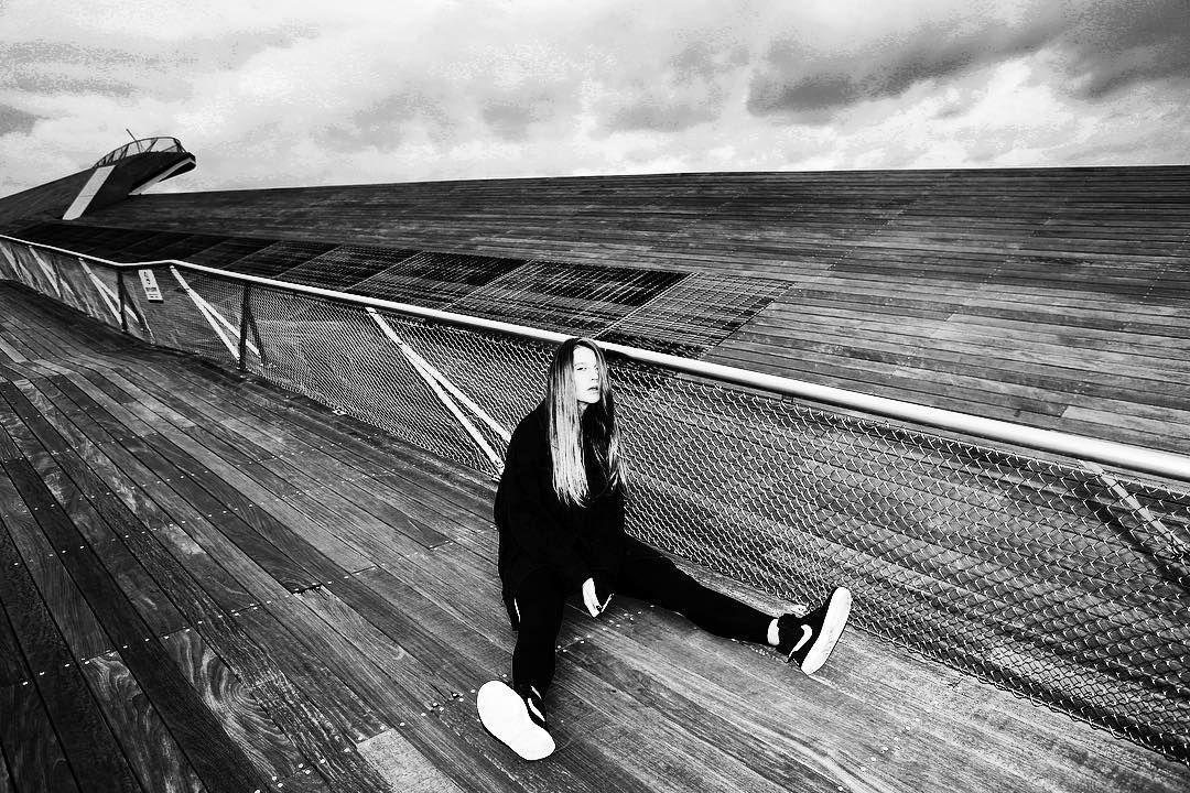 Photographer MIRKO IANNACE MODEL @greta_juceviciute #YOKOHAMA #japan #sharpenstudio #tokyophotographer #photographerlife #modelslife #wind #locationshoot #production #profoto #art #artphotography #mirkoiannace #fashionjapan #hair #hairstyle #hairwind